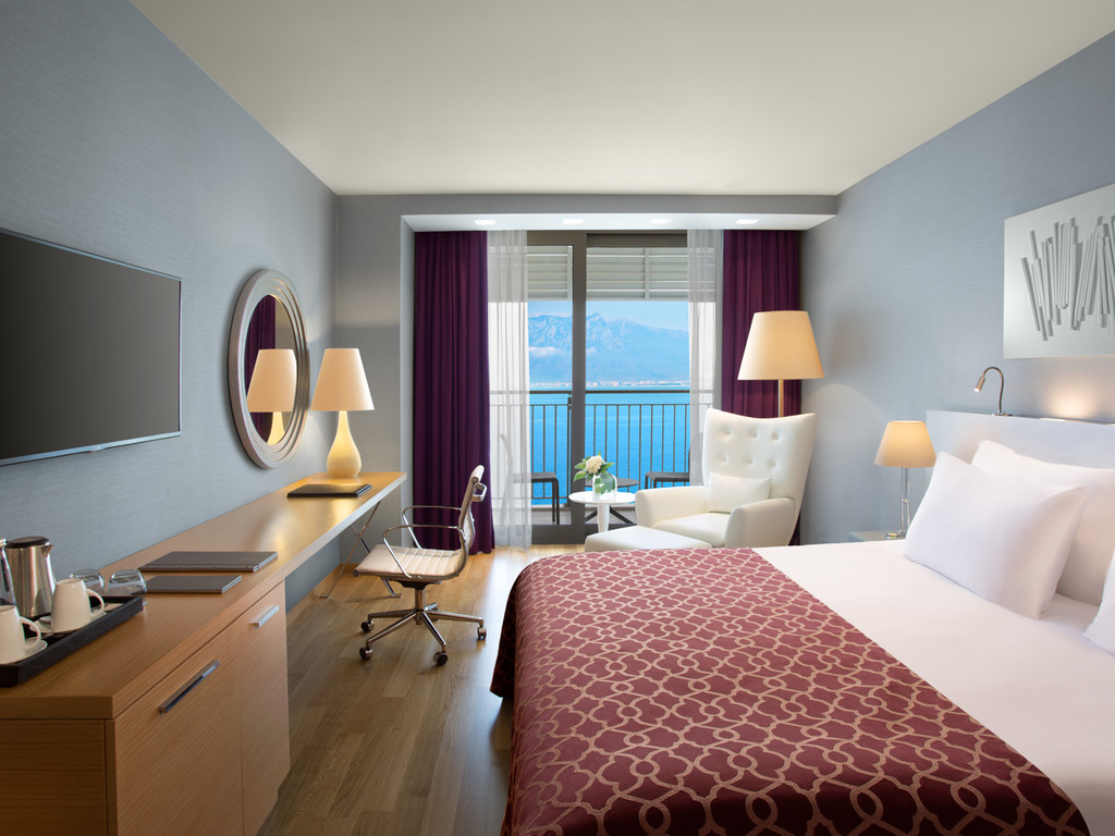 Deluxe Room with Sea View (Detox Package Included)