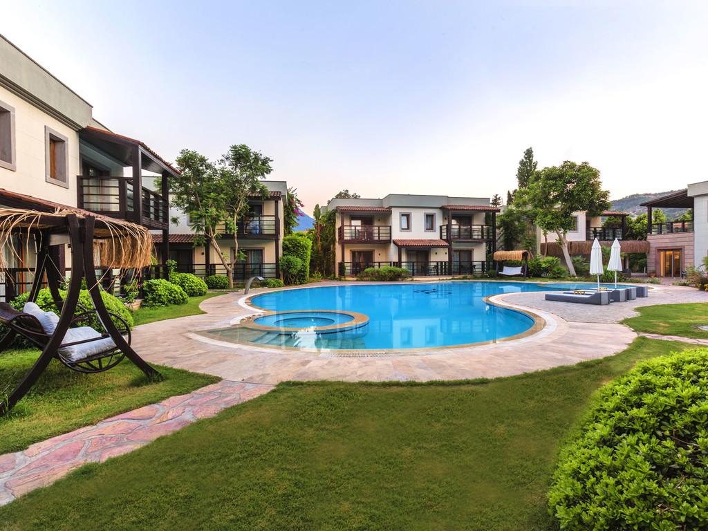 Faros Hotel Pool