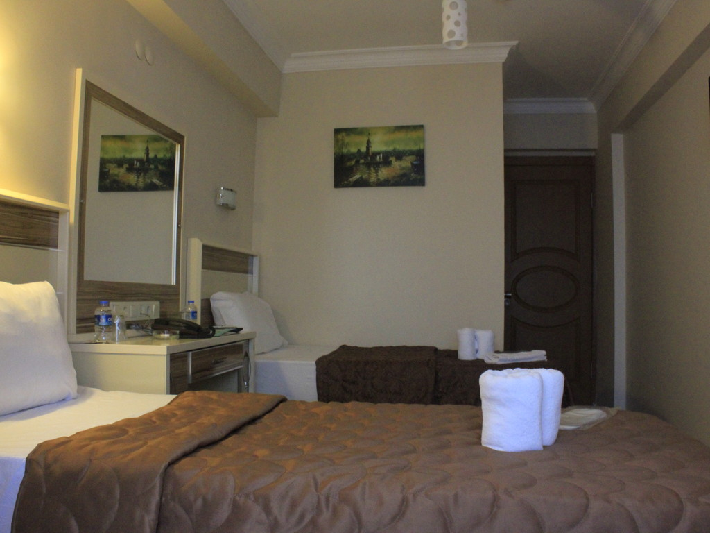 Bed & Breakfast, Economy Room
