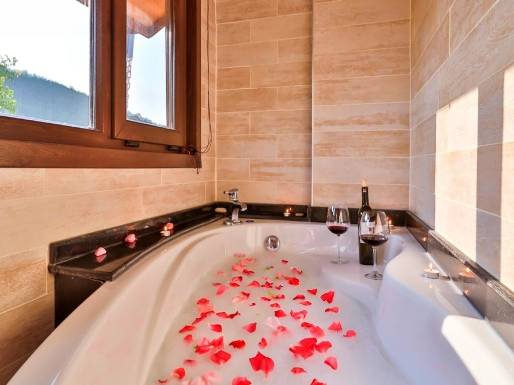 Garden View Room With Spa Tub